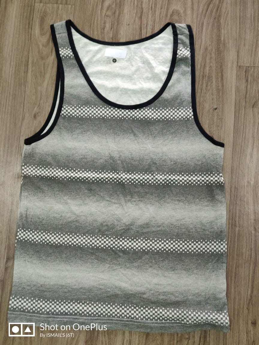 33240 - OLD NAVY Men's Sleeveless India