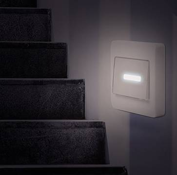 35357 - LED wall light with light switch battery operated Europe