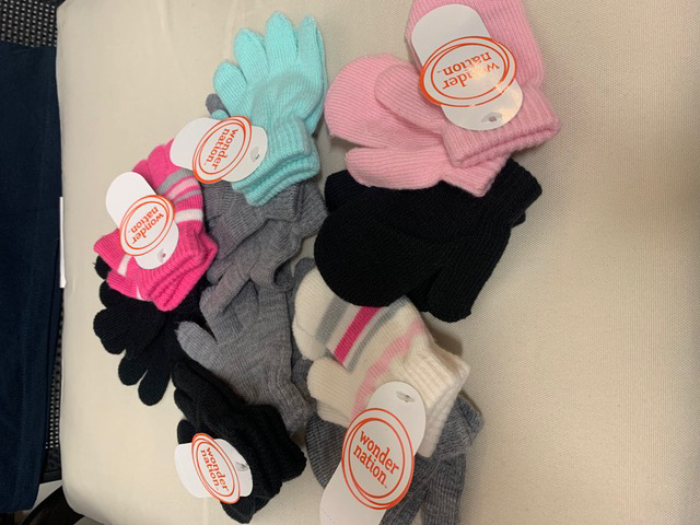 38283 - For Sale: KIDS GLOVES & MITTENS USA